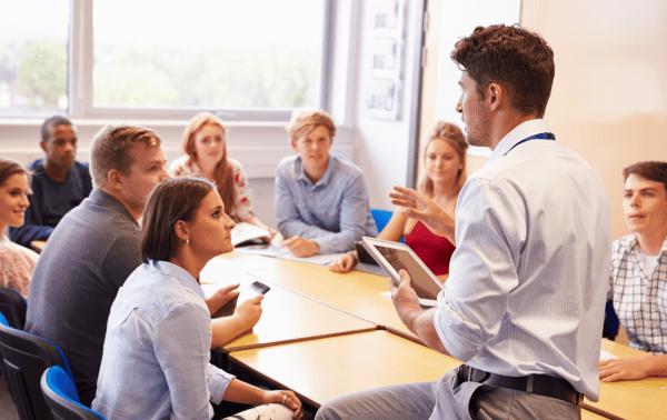 Formateur, apprenants : qui tient le discours?